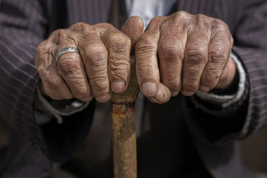 fear of growing old gerascophobia - very old mans hands