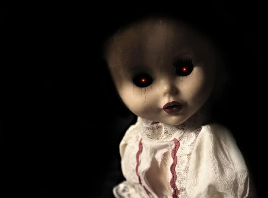 pediophobia fear of dolls - evil doll